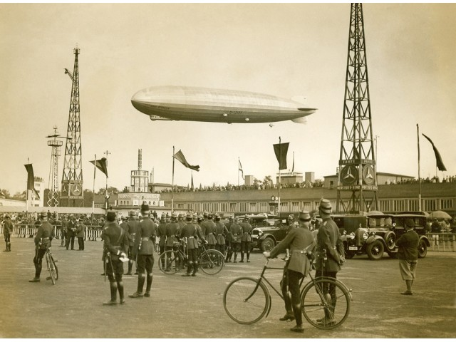 Zeppelin photo